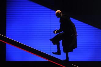 Сцена из спектакля «Небесные странники» в постановке Марка Захарова