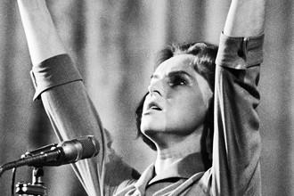 Певица Гелена Великанова на 1-ом фестивале советской эстрадной песни, 15 октября 2965 года