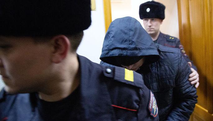 Бывший сотрудник полиции Эдуард Матвеев, подозреваемый в изнасиловании девушки-дознавателя, в Кировском районном суде Уфы, 2 ноября 2018 года