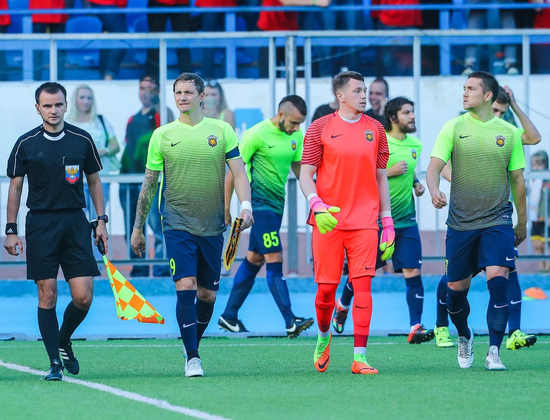 Арарат москва футбольный клуб официально мужской клуб в геленджике