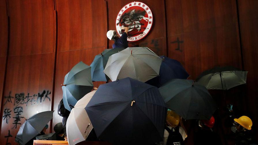 Чем на самом деле опасны протесты в Гонконге, объяснила NYT