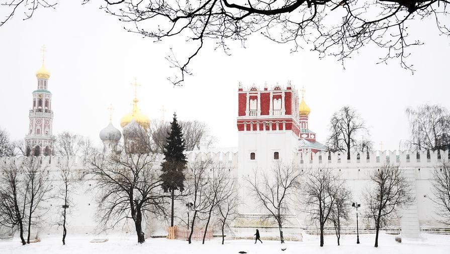 Новодевичий монастырь в Москве, 31 марта 2020 года