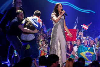 Мужчина оголился на сцене во время выступления Джамалы на «Евровидении»