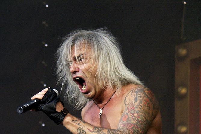 Константин Кинчев на V рок-фестивале «Крылья 2004»