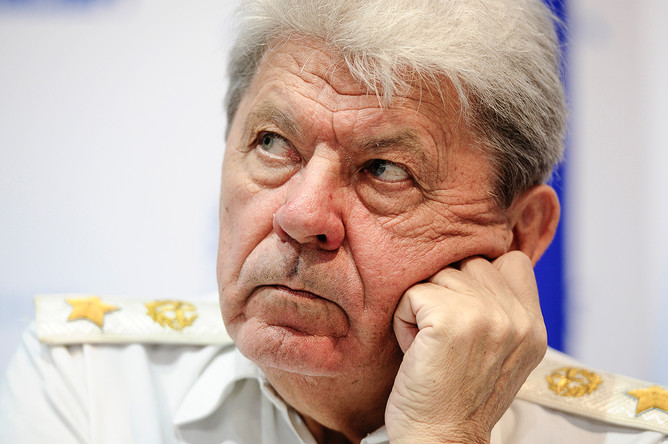 Генерал армии в отставке, бывший главнокомандующий ВВС РФ Петр Дейнекин во время пресс-конференции в рамках авиасалона МАКС-2013 в Жуковском