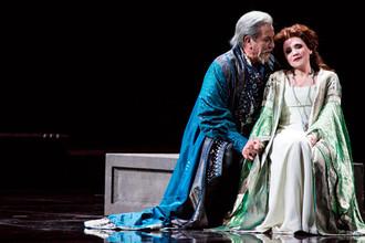 Сцена из оперы Верди «Симон Бокканегра» в постановке театра Ла Скала