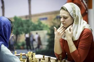Тань Чжуни и Анна Музычук в последней партии чемпионата мира по шахматам
