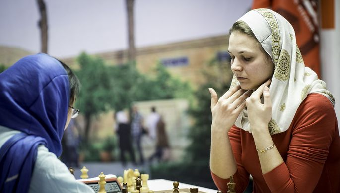 Шахматисты Магнус Карлсен и Владимир Крамник