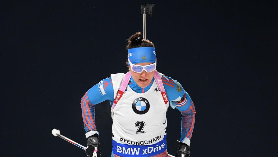 Татьяна Акимова принимает участие в женском спринте на девятом этапе Кубка мира по биатлону.