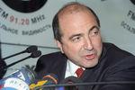 1998. Исполнительный секретарь СНГ Борис Березовский выступает впрямом эфире радиостанции «Эхо Москвы».
