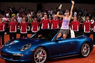 Победа на турнире в Штутгарте вернула россиянку Марию Шарапову в 10-ку сильнейших чемпионской гонки WTA