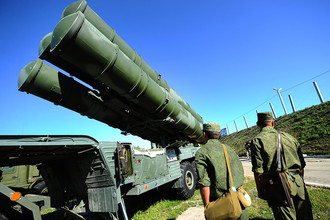 Зенитная ракетная система С-400, разработанная концерном ПВО «Алмаз-Антей»