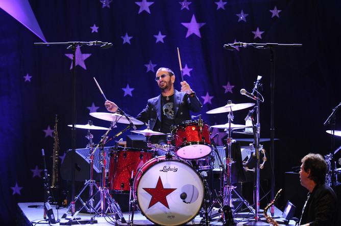 Ринго Старр и его All Starr Band выступают во Флориде, 2014 год