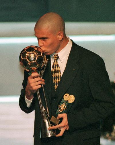 С наградой FIFA «Игрок года», 1997 год