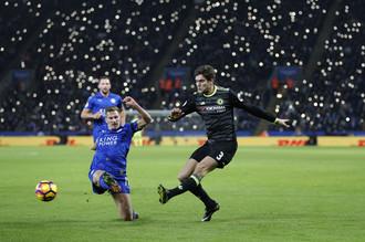 Маркос Алонсо открывает счет в матче «Лестер Сити» — «Челси»