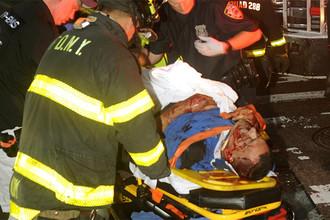 Раненый в результате столкновения двух автобусов в Нью-Йорке, 18 сентября 2017 года