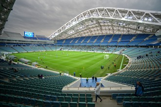 Стадион «Фишт» выдержал испытание ливнем, но пострадал от фанатов