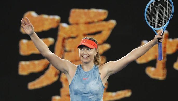 Мария Шарапова в матче Australian Open против Каролин Возняцки
