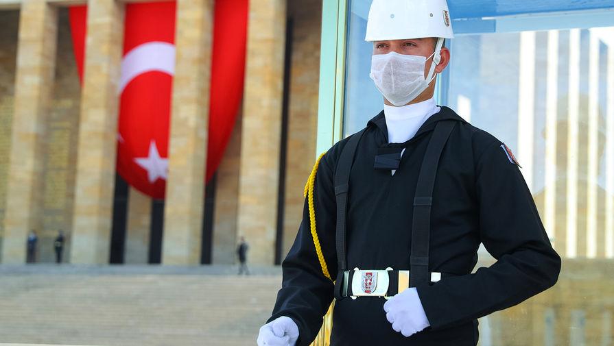 Турция запрещает внутренние поездки из-за COVID-19