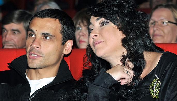 Певица Лолита Милявская с мужем Дмитрием Ивановым на закрытии кинофестиваля в Москве, 2011 год