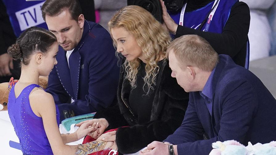 Этери Тутберидзе, Анна Щербакова, Даниил Глейхенгауз и Сергей Дудаков