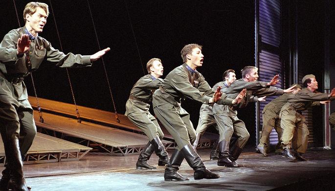 Мюзикл «Норд-Ост» на сцене Театрального центра на Дубровке, 2003 год