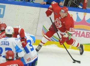 Даниил Марков (№55) в матче против минского «Динамо»