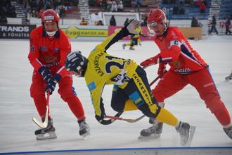 Сборная России с победы стартовала на чемпионате мира по хоккею с мячом