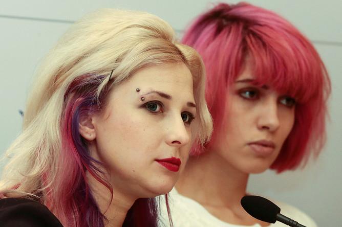 Мария Алехина и Надежда Толоконникова на пресс-конференции фонда Cinema for Peace в рамках 65-го Берлинского кинофестиваля