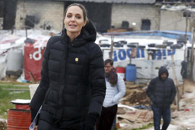 Анджелина Джоли в долине Бекаа в Ливане