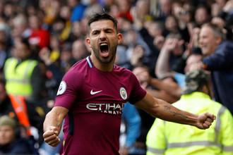 Нападающий «Манчестер Сити» Серхио Агуэро празднует свой третий гол в ворота «Уотфорда»