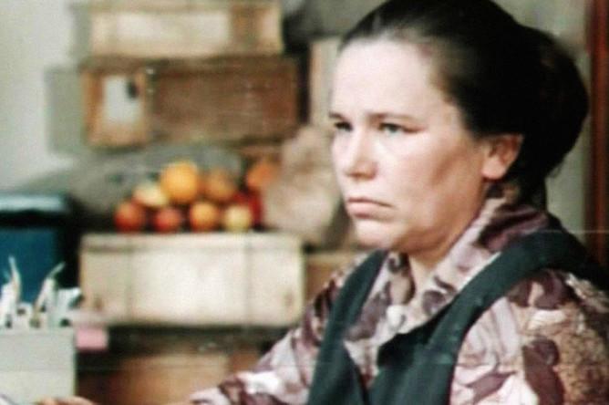 Валентина Березуцкая в фильме «Двое в пути» (1973)