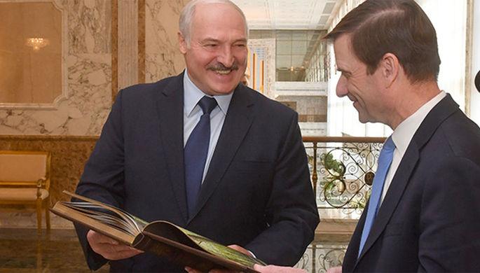 Президент Белоруссии Александр Лукашенко и заместитель Государственного секретаря США по политическим вопросам Дэвид Хэйл, 17 сентября 2019 года