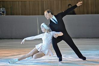 Олимпийские чемпионы в парном катании на коньках Людмила Белоусова и Олег Протопопов, 1971 год