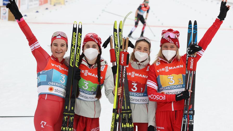 Российские лыжницы Наталья Непряева, Яна Кирпиченко, Юлия Ступак и Татьяна Сорина.