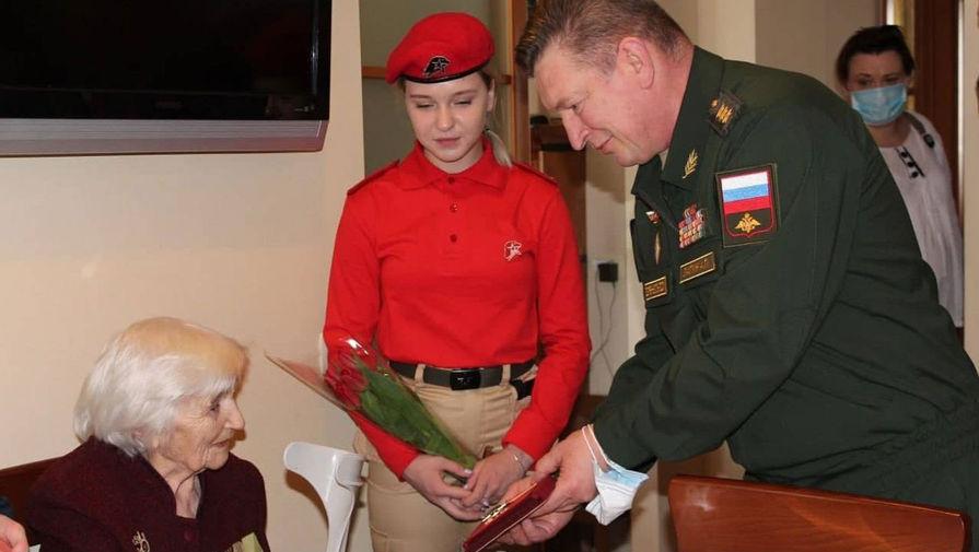 Татьяна Валяева и командующий войсками ЦВО генерал-полковник Александр Лапин