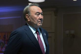 Президент Казахстана Нурсултан Назарбаев на церемонии встречи глав государств-участников V Каспийского саммита в Актау, 12 августа 2018 года