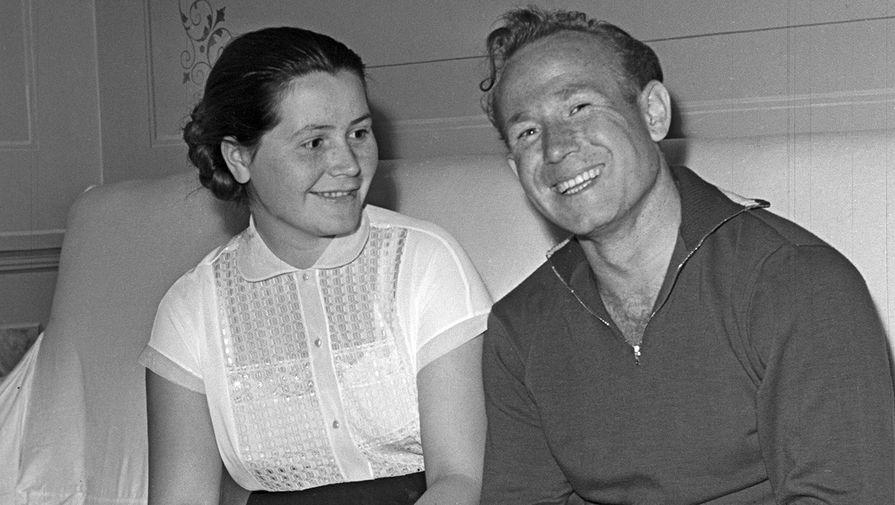 Алексей Леонов и Валентина Гагарина, 1963 год