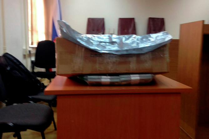 Коробка с деньгами в здании Замоскворецкого суда, 8 ноября 2017 года