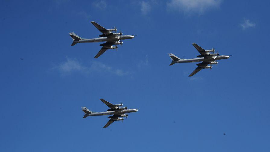 Вдоль Аляски: истребители США проследили за ракетоносцами РФ