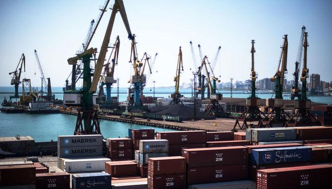 Контейнеры в Новороссийском морском торговом порту