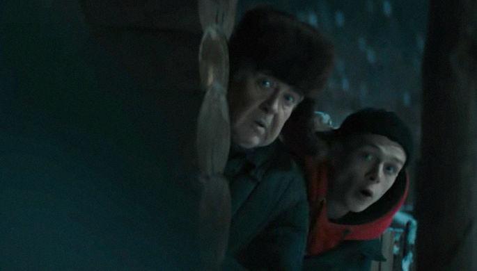Актеры Юрий Стоянов и Глеб Калюжный в сериале «Вампиры средней полосы» (2020)