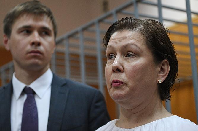 Бывший директор Библиотеки украинской литературы в Москве Наталья Шарина во время оглашения приговора