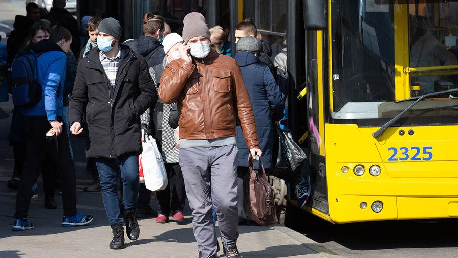 Водитель автобуса в Калининграде переключал передачи с помощью швабры