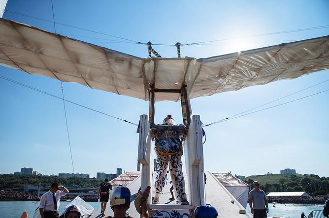 Чемпионат самодельных летательных аппаратов Red Bull Flugtag в Крылатском