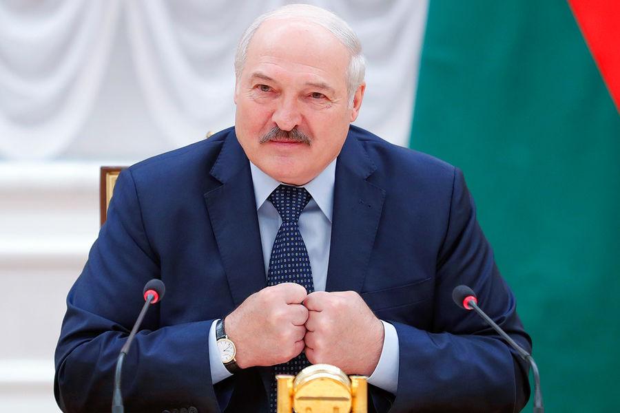 Лукашенко призвал «бить РјРѕСЂРґСѓВ» РІСЃР»СѓС‡Р°Рµ повторения инцидента СЃР±РµР»РѕСЂСѓСЃСЃРєРёРј флагом