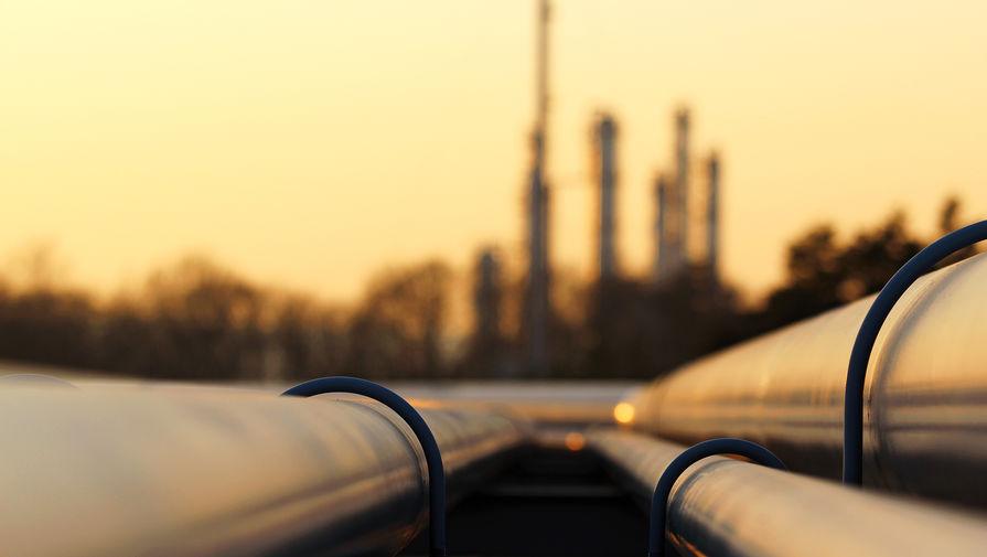 Цена нефти Brent опустилась ниже $67 впервые с мая