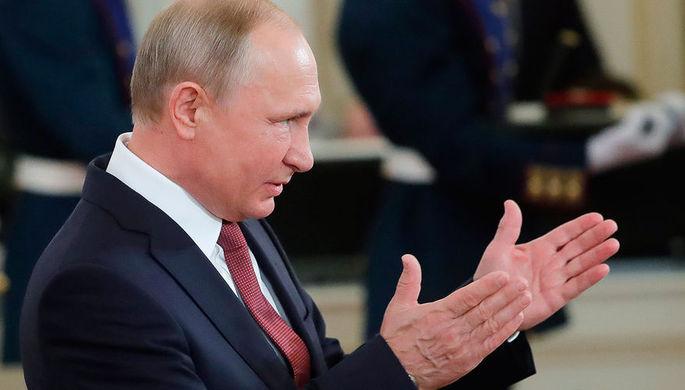 Президент России Владимир Путин во время церемонии вручения государственных премий за выдающиеся...