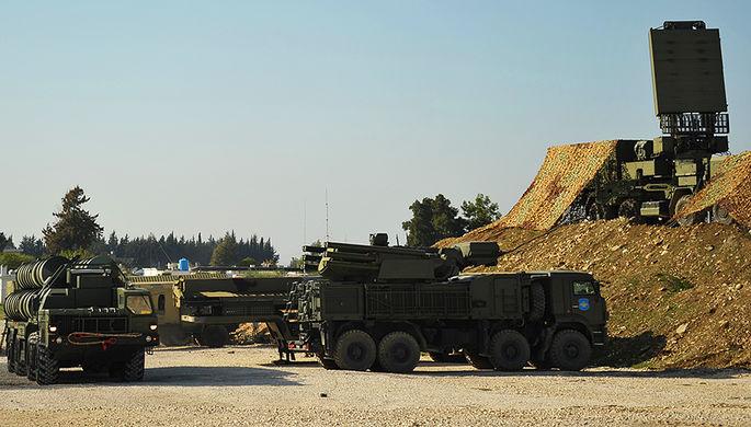 Зенитно-ракетный комплекс С-400 и самоходный зенитный ракетно-пушечный комплекс...