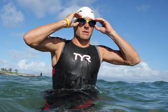 Лэнс Армстронг устремился в бассейн